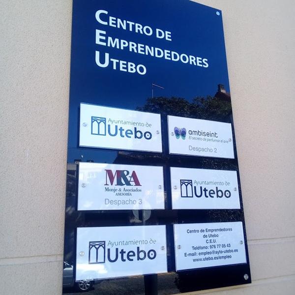Rotulación de placas para oficinas y empresas